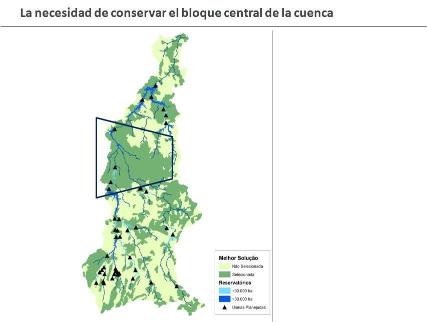 El bloque central de la cuenca del río Tapajós, cuya conservación es vital. Los triángulos negros indican las centrales hidroeléctricas planificadas. Los colores celeste y azul indican el tamaño de los embalses. Crédito: Cortesía WWF