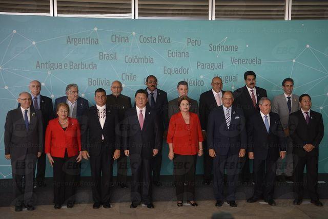 Foto de familia del encuentro de gobernantes de la Celac con los presidentes de Brasil,  Dilma Roussef, y de China,  Xi Jinping. Crédito: Agencia de Brasil/EBC