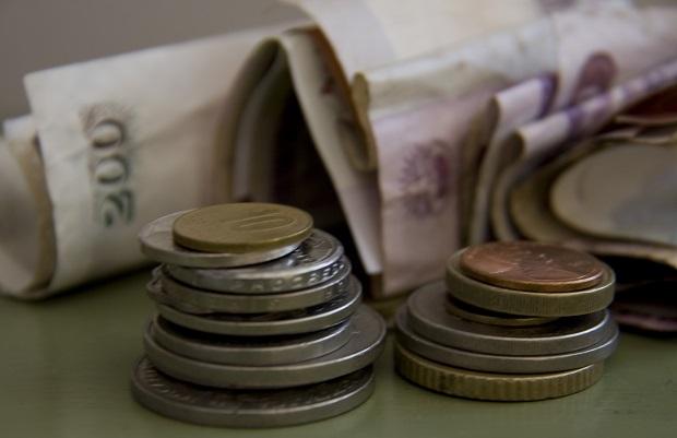 Los países del Sur en desarrollo pierden al menos un billón de dólares cada año por la evasión fiscal y la corrupción. Crédito: Kristin Palitza/IPS