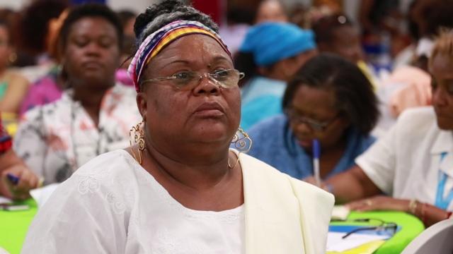 La nicaragüense Dorotea Wilson, coordinadora general de la Red de Mujeres Afrolatinoamericanas, Afrocaribeñas y de la Diáspora, durante una sesión de trabajo en la cumbre americana celebrada en Managua. Crédito: Cortesía de la RMAAD