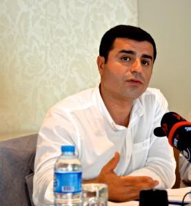 Salahattin Demirtas, líder, junto con Figen Yüksekdağis, del Partido de la Democracia de los Pueblos (HDP), creado en 2014. Crédito: JN Couvas.