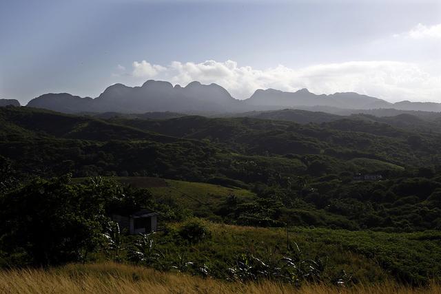 Vista del municipio rural y montañoso de La Palma,  en el extremo occidental de Cuba, en la provincia de Pinar del Rio. Crédito: Jorge Luis Baños/IPS