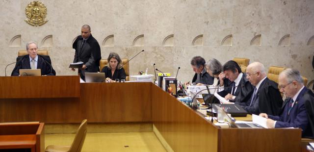 Parte de los magistrados del Supremo Tribunal Federal de Brasil, durante la sesión en que el jueves 5 decidieron por unanimidad la suspensión de Eduardo Conha de sus funciones de poderoso presidente de la Cámara de Diputados. Crédito: Carlos Humberto/SCO/STF