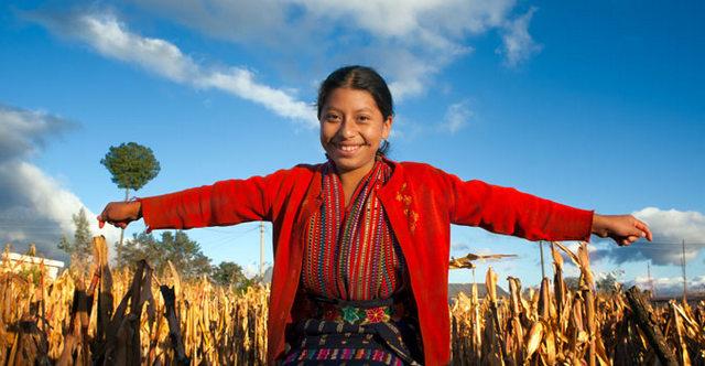 Las adolescentes indígenas latinoamericanas son junto con sus pares rurales las más discriminadas en materia de oportunidades y de educación en la región. Crédito: Rajesh Krishnan/ONU Mujeres
