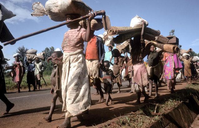 Refugiados huyen de un conflicto armado en Burundi. Crédito: Linton/ FAO