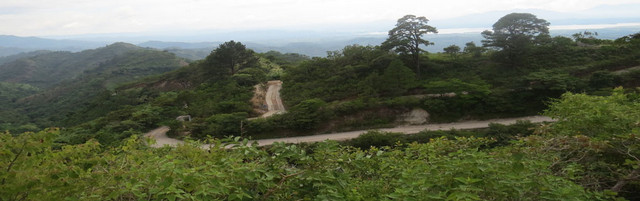 Los trabajos exploratorios de las empresas mineras, parte importante extranjeras, ocasionaron daños en diferentes zonas de El Salvador, la segunda más deforestada de América Latina, y con graves problemas hídricos. Crédito: Mesa Nacional Frene a la Minería Metálica