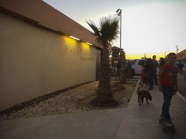 El centro cívico de San Juanico, cuyos pobladores temen por su futuro. Celia Guerrero/Pie de Pagina