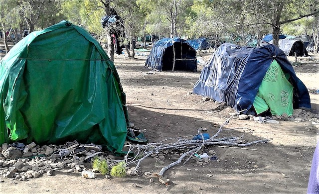Campamento donde los inmigrantes subsaharianos viven cerca de Nador, Marruecos. Crédito: Mohamed Diaradsouba