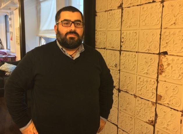 Fadi Hallisso es cofundador de la ONG siria Basmeh y Zeitooneh. Crédito: L Rowlands / IPS.