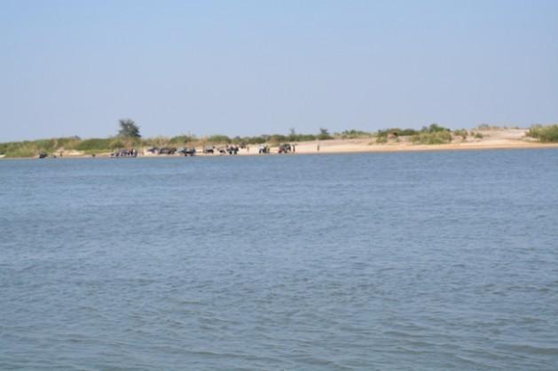 El río Zambezi, en Zambia occidental. Crédito: Friday Phiri
