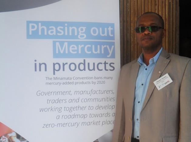 Olubunmi Olusanya, del Ministerio Federal de Ambiente de Nigeria, está deseoso de reducir progresivamente el uso de productos con mercurio agregado. Crédito: Miriam Gathigah/IPS