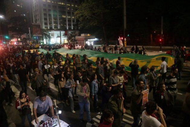 Las protestas contra la corrupción han perdido han su carácter multitudinario en Brasil y como sucedió con esta realizada en la ciudad de São Paulo el 24 de mayo, en demanda de la salida del presidente Michel Temer del poder. Crédito: Paulo Pinto/AGPT
