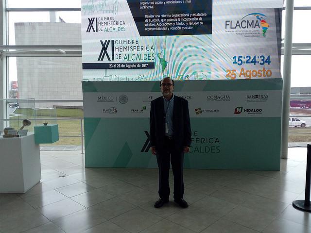 Antonio Zurita, director general de la Unión de Ciudades Capitales Iberoamericanas (UCCI), durante su participación en la XI Cumbre Hemisférica de Alcaldes, en la ciudad de Pachuca, al este de Ciudad de México. Crédito: Emilio Godoy/IPS