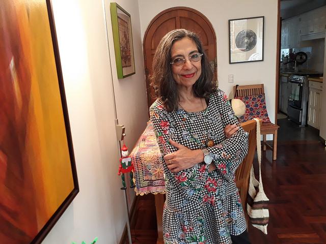 La abogada peruana Gladys Acosta, una de las 23 expertas del Comité que supervisa el cumplimiento de la Convención sobre la Eliminación de Todas las Formas de Discriminación contra la Mujer (CEDAW), durante su entrevista con IPS en su hogar en Lima, durante un descanso de sus actividades en Nueva York. Crédito: Mariela Jara/IPS