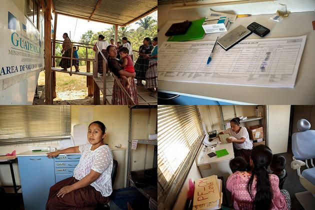 Mujeres de la comunidad, muchas con hijas e hijos, esperan en la clínica móvil. La clínica móvil gratuita en Sepur Zarco atiende entre 70 y 80 personas diariamente.