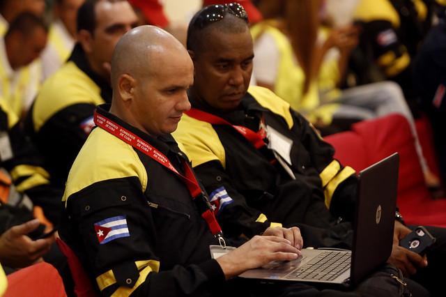 Miembros del cuerpo de rescate y salvamento de la Defensa Civil cubana asisten al Ejercicio Regional de Simulación de la Respuesta a Terremotos, el Simex 2019, realizado en La Habana del 16 al 20 de septiembre. Crédito: Jorge Luis Baños/IPS