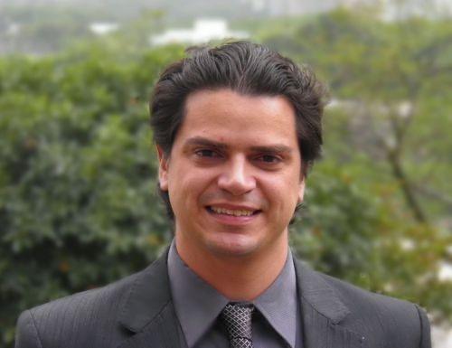 Adalberto Maluf, presidente de la Asociación Brasileña del Vehículo Eléctrico y director de Mercadeo y Sustentabilidad de BYD Brasil, filial del grupo chino que es el mayor productor mundial de buses eléctricos y uno de los mayores en baterías y paneles solares. Él espera que la conciencia ambiental y sanitaria de la población, tras la pandemia de covid-19, impulse la electrificación del transporte, especialmente el urbano. Foto: Cortesía de Adalberto Maluf