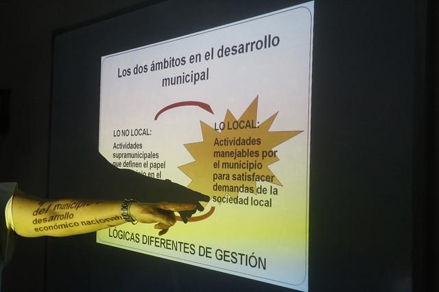 Los talleres sobre desarrollo municipal son parte de la oferta de este tipo de iniciativas de capacitación en Cuba, como este impartido en el Instituto Internacional de Periodismo José Martí, en La Habana. Foto: Jorge Luis Baños/IPS