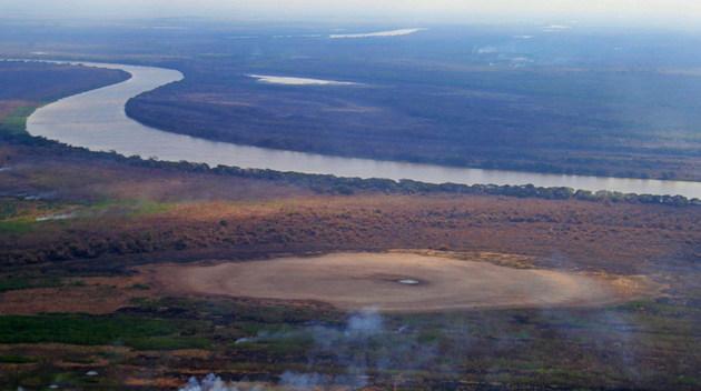 Vista aérea de una zona del Pantanal, en el estado de Mato Grosso, en Brasil, donde es evidente la sequía en el mayor humedal del mundo. Foto: Saul Scharamm/Fotos Públicas