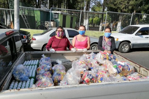 Las asociaciones y sindicatos de trabajadoras domésticas han recaudado fondos, organizado comedores comunitarios y han llevado comida a las mesas de sus afiliadas. Foto cortesía de la Federación Internacional de Trabajadoras del Hogar