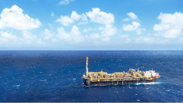 La estatal empresa petrolera Petrobras ha establecido en la Cuenca de Santos, frente a las costas de Río de Janeiro, en Brasil, sistemas de captura y reinyección de CO2. Su meta es procesar un total de 40 millones de carbono para 2025, en los campos marítimos en la cuenca. Foto: Petrobras