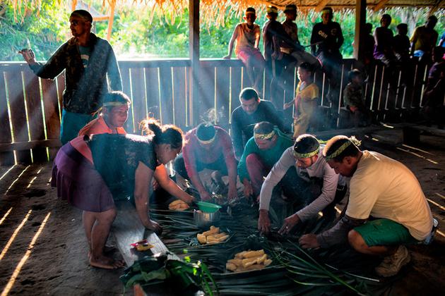 Mujeres indígenas acusan a ministra Damares Alves de tomar a sus hijas ilegalmente. Foto: Daniel Cangussu / Bocado