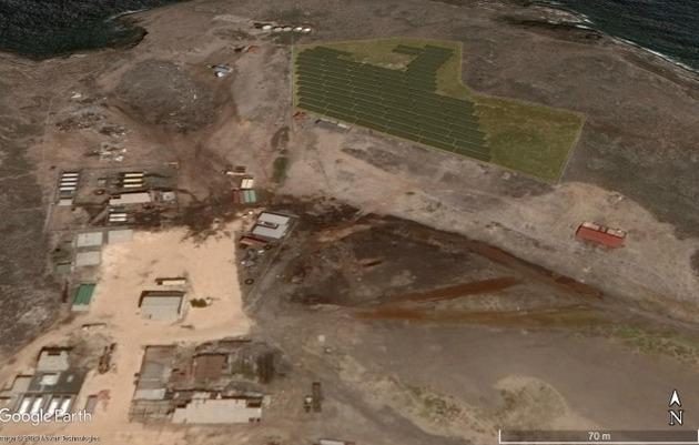 Vista del proyecto solar abandonado en la isla de Gran Roque, en el Parque Nacional Archipiélago de Los Roques. Imagen: de Google Earth