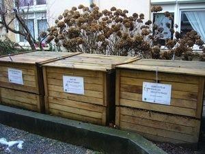 Contenedores colectivos de compost en la localidad francesa de Besançon. Crédito: Jean-Charles Sexe/Ville de Besançon.