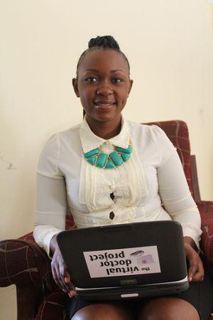 Mercy Nalwamba, encargada general de la clínica de Makeni, en el distrito de Chilanga, Zambia. Crédito: Amy Fallon/IPS.