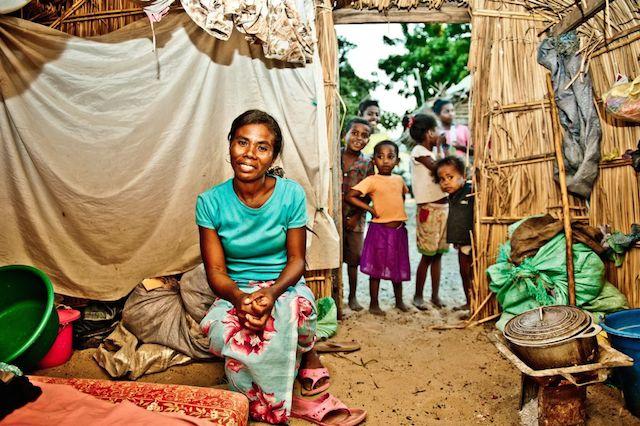 Alphonsine Zara, de 35, fue entregada en matrimonio a los 16. Todavía sufre las severas consecuencias de haberse casado tan joven. Cortesía: Fondo de Población de las Naciones Unidas (UNFPA)