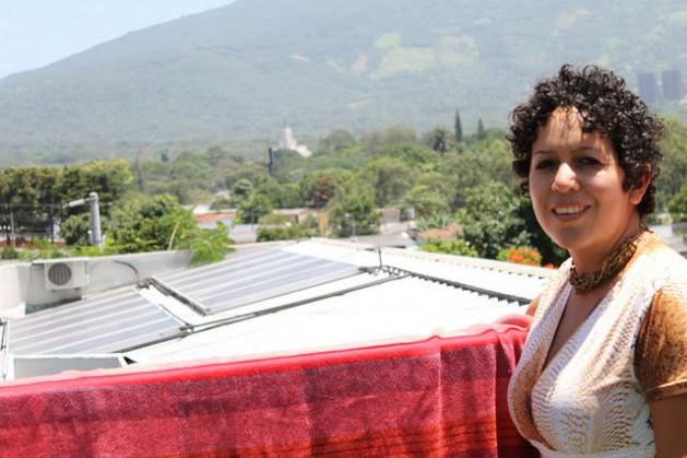 Con el objetivo de renovar la matriz energética, El Salvador impulsa proyectos en busca de energías limpias como es el caso de la geotermia y energía solar.