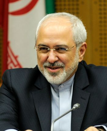El canciller iraní, Javad Zarif, antes de las conversaciones entre Alemania, China, Estados Unidos, Francia, Gran Bretaña y Rusia, por un lado, e Irán, por el otro, el 3 de julio, en Viena. Crédito: CC BY 2.0