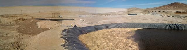 Un ejemplo en el terreno. En solo seis meses se logró disminuir en 30 por ciento los sulfatos de aguas residuales derivadas de las faenas mineras. Crédito: Cortesía de la Universidad de Santiago.