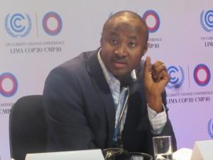 Seyini Nafo, portavoz del Grupo Africano en la COP 20. Crédito: Wambi Michael/IPS