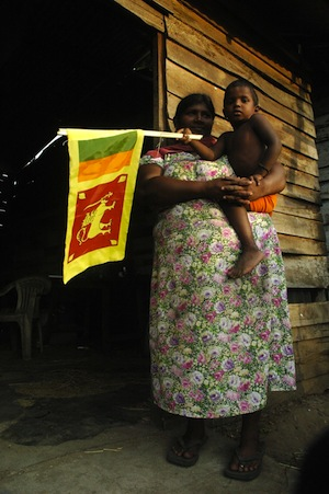 Los electores de Sri Lanka, antes reticentes, se pronuncian abiertamente sobre su opción en las próximas elecciones presidenciales. Crédito: Amantha Perera/IPS