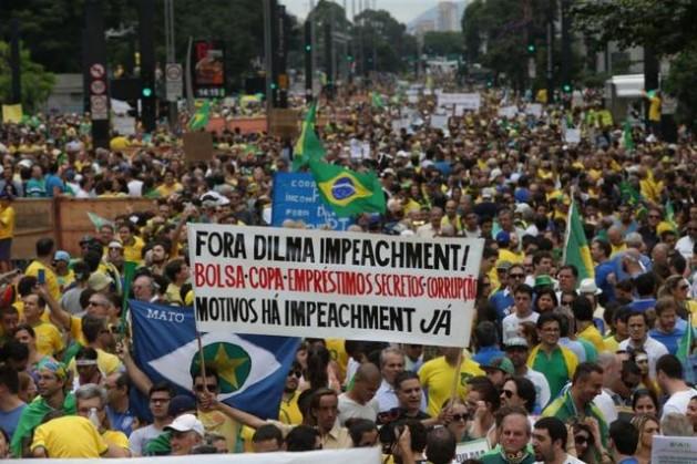 Una multitud, calculada en 210.000 personas por el Instituto Datafolha y en un millón por la policía, participó en la metrópoli de São Paulo en las protestas contra la presidenta Dilma Rousseff y la corrupción el 15 de marzo, cuando se produjeron manifestaciones similares en todos los estados de Brasil. Crédito: Fotos Públicas