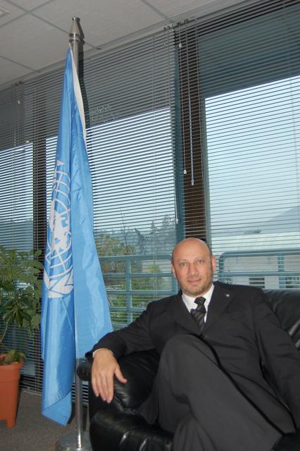 Raúl Benítez, representante regional de la FAO, en su despacho en la sede del organismo en Santiago de Chile. Crédito: Marianela Jarroud/IPS