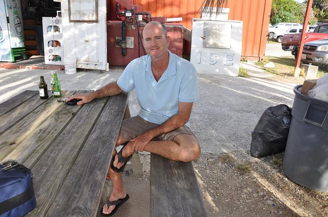 El presidente de la Sociedad de Conservación de Antigua, Eli Fuller, dice que los manglares ayudan a limitar las consecuencias de la erosión costera, que es más común con el cambio climático. Crédito: Desmond Brown/IPS