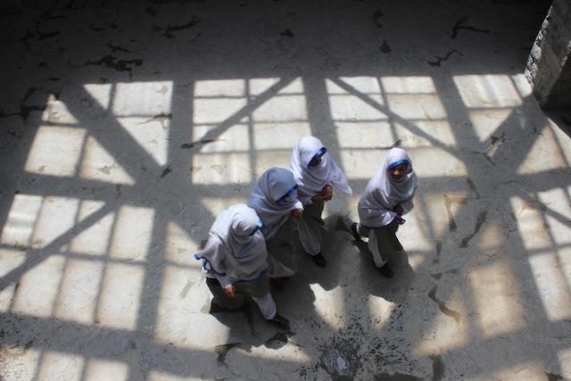 Millones de niños y niñas en edad escolar abandonan la escuela antes de completar la educación primaria en Pakistán. Crédito: Zofeen Ebrahim/IPS