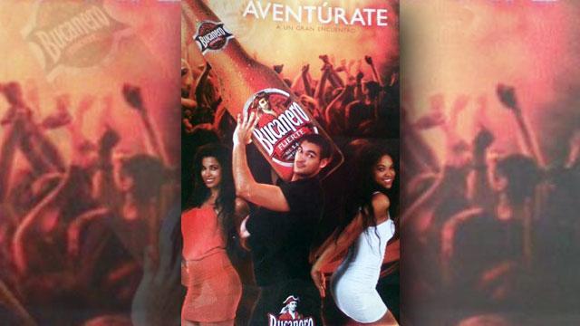 """Uno de los carteles publicitarios de la marca cubana Bucanero, cuyo eslogan es """"una cerveza de hombre"""". La discusión sobre los componentes sexistas de la campaña publicitaria de esta bebida surgió en la blogosfera. Crédito: Cortesía de Negra Cubana Tenía que Ser"""