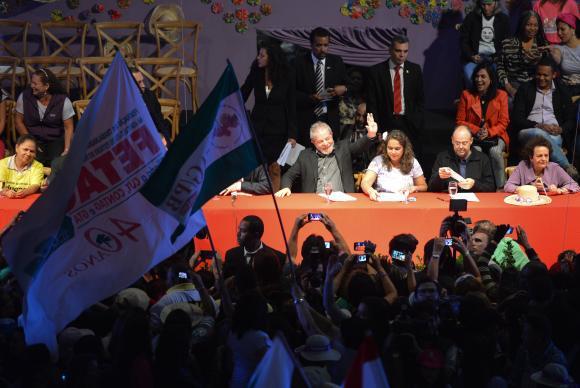 El expresidente Luiz Inácio Lula da Silva, en un acto el 12 de agosto en Brasilia, en que aseguró que viajará por el país para rescatar el apoyo popular para el gobierno y el Partido de los Trabajadores. Crédito: Fabio Rodrigues-Pozzebom/Agência Brasil