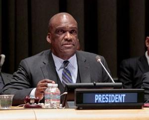 John Ashe, el presidente del 68 período de sesiones de la Asamblea General de la ONU, el 22 de abril de 2014. Crédito: Evan Schneider/ONU