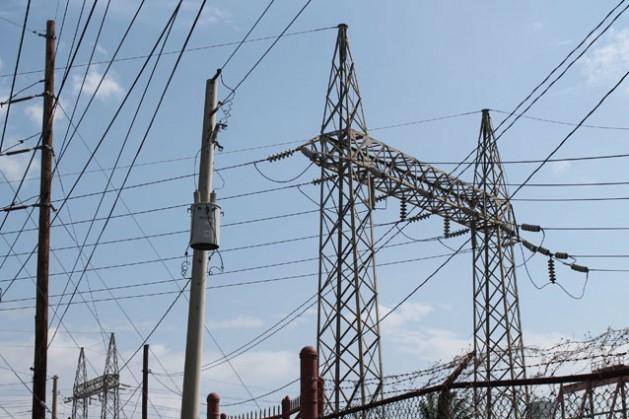 El tendido eléctrico y la generación de electricidad enJamaica necesitará expandirse y mejorar en forma significativa. Crédito: Zadie Neufville/ IPS