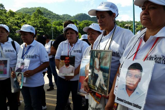 Madres centroamericanas en búsqueda de sus hijos migrantes desaparecidos en su camino hacia Estados Unidos durante la caravana que comenzaron el 10 de noviembre y concluirá el 2 de diciembre en la frontera mexicano-estadounidense. Crédito: Cortesía del Movimiento Migrante Mesoamericano