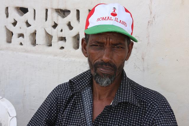 Abdi Mohamad, un veterano de la guerra civil de Somalia, explica claramente su sentimientos hacia Somalilandia. Crédito: James Jeffrey/IPS.