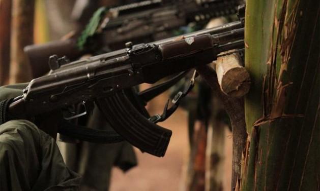 Armas como estas deberán ser entregadas por las FARC, como parte del proceso de dejación de las armas, iniciado el 1 de marzo en Colombia, dentro del acuerdo de paz. Crédito: Nelson Cárdenas/SIG