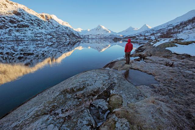 La conexión con la naturaleza nos convierte en guardianes de nuestro planeta. Para el director del Programa de las Naciones Unidas para el Medio Ambiente, Erik Solheim, la cercanía con la naturaleza nos ayuda a ver la necesidad de protegerla. Crédito: PNUMA.