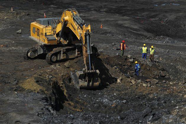 Parte de la mina a cielo abierto en las lomas de Castellanos, en el municipio de Minas de Matahambre, en la provincia de Pinar del Río, en el extremo occidental de Cuba. Crédito: Jorge Luis Baños/IPS