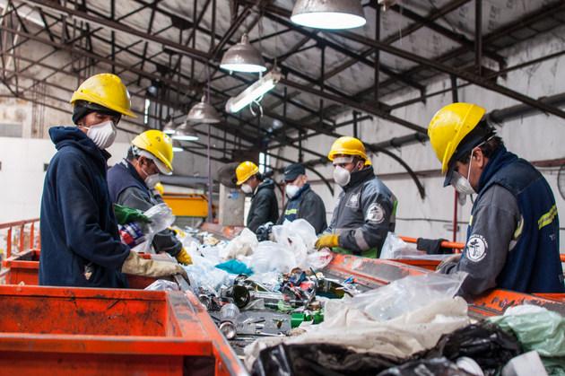 El centro verde El Alamo, una de las instalaciones donde se separan residuos en Buenos Aires. El reciclaje era la herramienta con la que en 2005 se fijó por ley un ambicioso y fracasado plan de reducción de la basura que se envía a disposición final. Crédito: Greenpeace Argentina