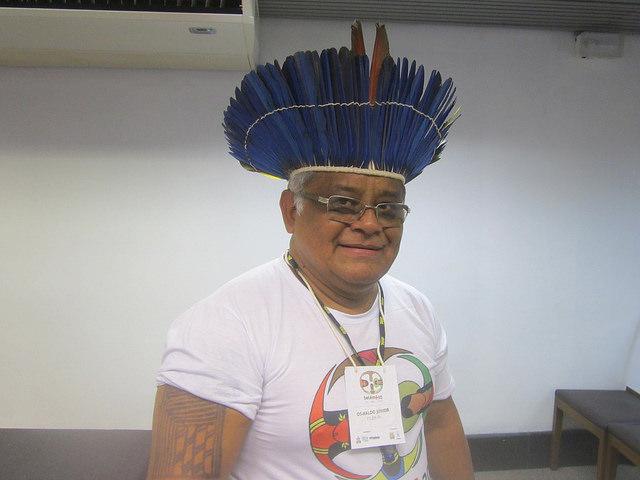 Oswaldo Gomes de Souza Junior, antiguo pescador y ahora doctor en Ecología Acuática, que aprovechó su experiencia y el conocimiento de los pescadores para estudiar la corvina amarilla, una especie importante para la alimentación y la economía de los pueblos de la costa norte de Brasil. Crédito: Mario Osava/IPS